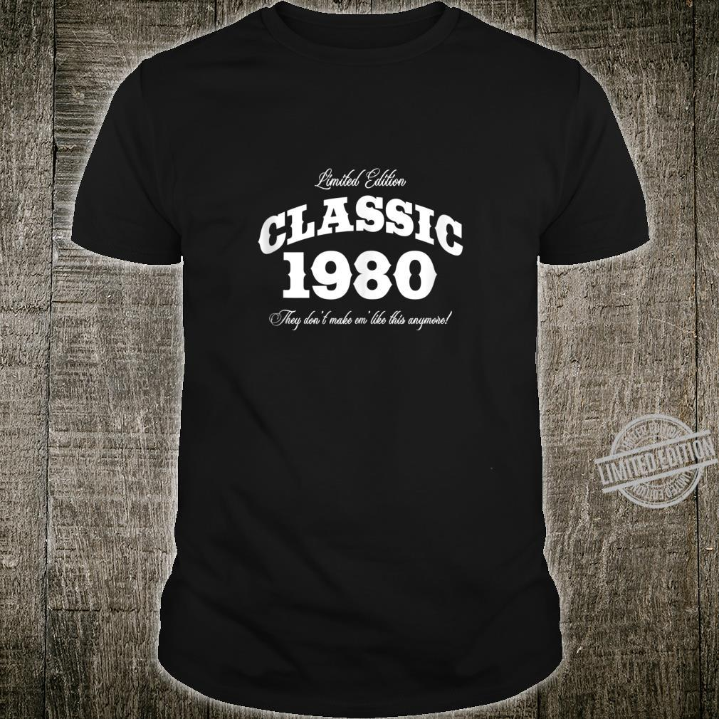 Gift for 40 Year Old Vintage Classic Car 1980 40th Birthday Shirt